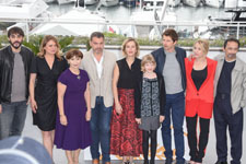 Gringe, Carole Franck, Ariane Ascaride, Clovis Cornillac, Karin Viard, Cyrille Mairesse, Pierre Deladonchamps, Andréa Bescond, Eric Metayer